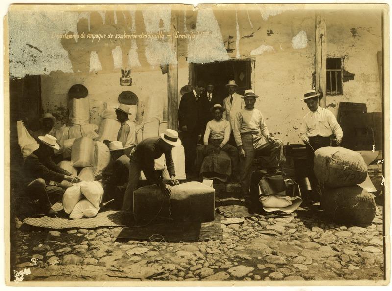 """185ff5d71a119 Desde Panamá el sombrero se internacionalizó y la gente empezó a  denominarlo """"Panama Hat"""" aunque el lugar de origen sea Ecuador."""